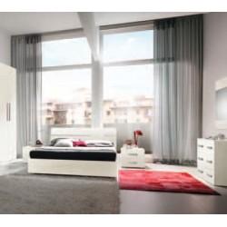 Camera matrimoniale con letto contenitore