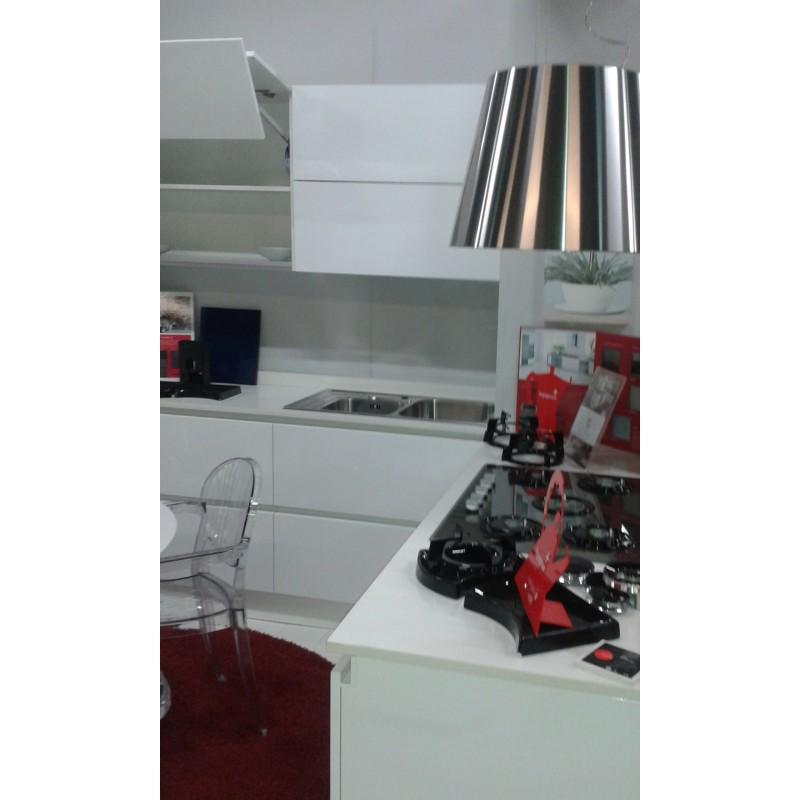 Cucina angolare 240 x 180 raccordi tubi innocenti - Vendo cucina angolare ...